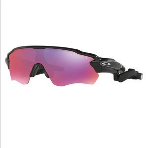 Oakley Radar Pace Voice Activated Coaching glasses